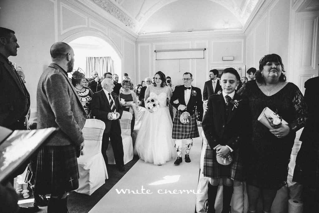 White Cherrie, Edinburgh, Natural, Wedding Photographer, Emma & Steven previews-17.jpg