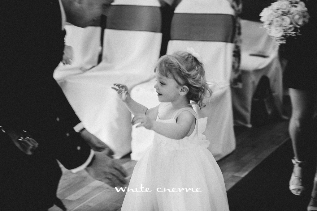 White Cherrie, Edinburgh, Natural, Wedding Photographer, Lara & James previews-33.jpg