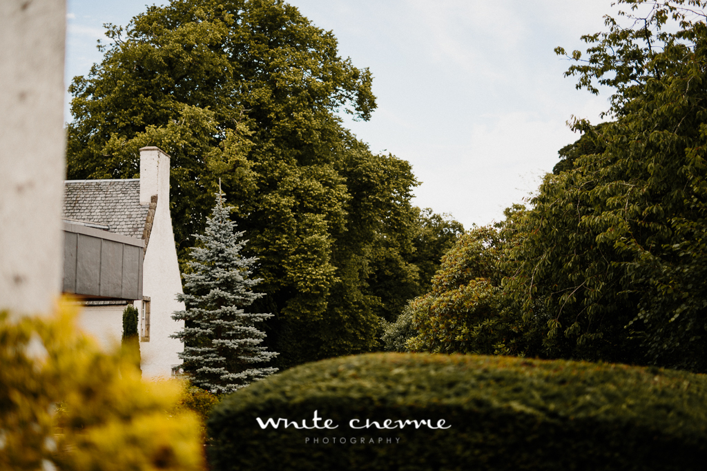 White Cherrie, Edinburgh, Natural, Wedding Photographer, Linsay & Craig previews-40.jpg