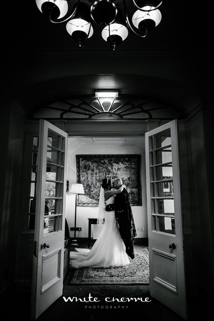 White Cherrie, Edinburgh, Natural, Wedding Photographer, Linsay & Craig previews-43.jpg