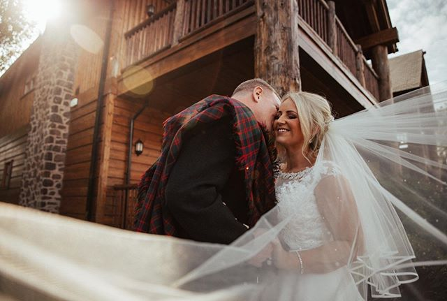 I know, I know, too many posts but how can I not share this moment 😭 the veil, the sun flare, the perspective of the wooden lodge leading your eye to this gorgeous couple - and most of all, the genuine smile that holds so much emotion; happiness, security, excitement, pride! All this would have not been possible if it wasn't for that super fun work's weekly brunch that Louise and Andrew had (with drinks on the house might I add - that's for another post 😈). #kissmewithyoureyesclosed #veilfordays #letshavebrunch . . . Dress shop: @ederrabridalstudio Dress designer: @specialdaysbridal