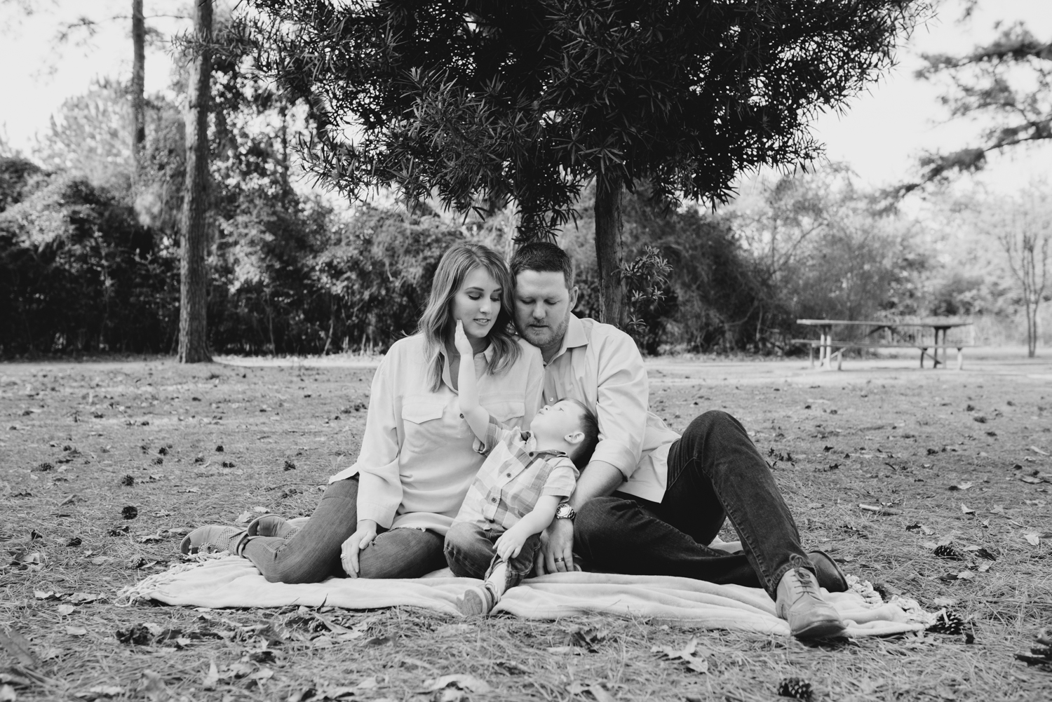 familysession-houstonfamilysession-familypictures-momanddad-family-torry-24.jpg