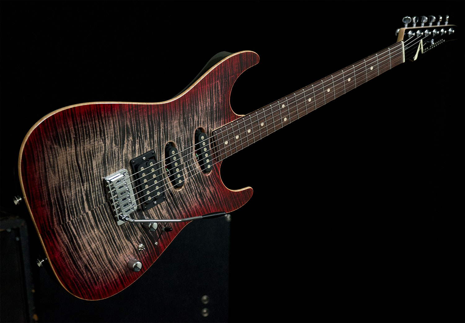 Nat. Black - T. Red Burst