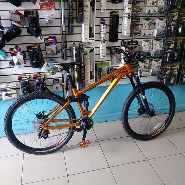 """#thebikelery is open until 7pm today. Morpheus Skyla Slope 26"""" medium frame $1500 obo. Dont pass on a great full suspension DJ for a hardtail price!"""