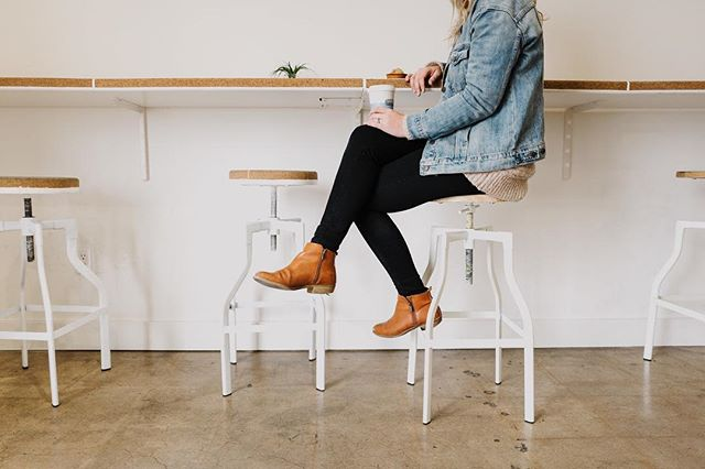 Did you guys see our @madewithlovejournal Coffee Run post this morning? I just so happen to be sitting in this exact spot again this morning as I work on a new website. If you need a little break in your morning head over to our #MWLCoffeeRun post live on the journal today featuring @woodshedtea. 📷: @katiejameson
