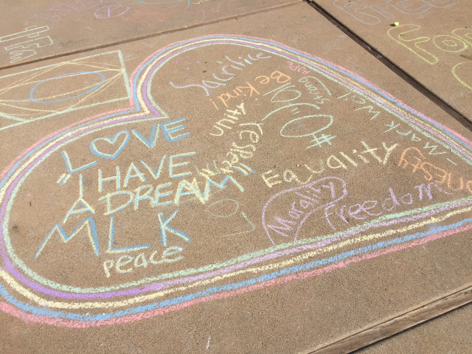 A team of artists from Nordhoff H.S. left this message...