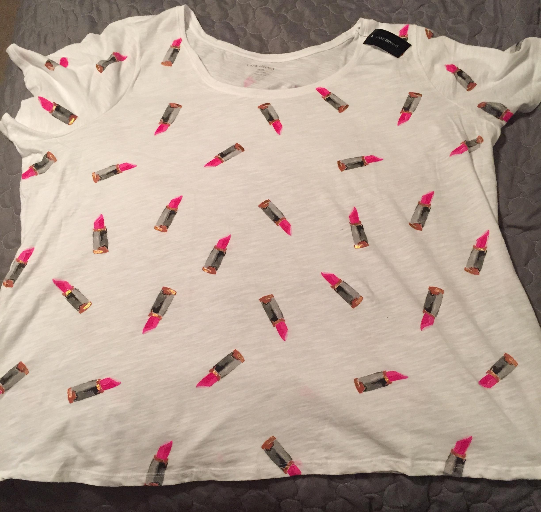 lipstick shirt.jpg