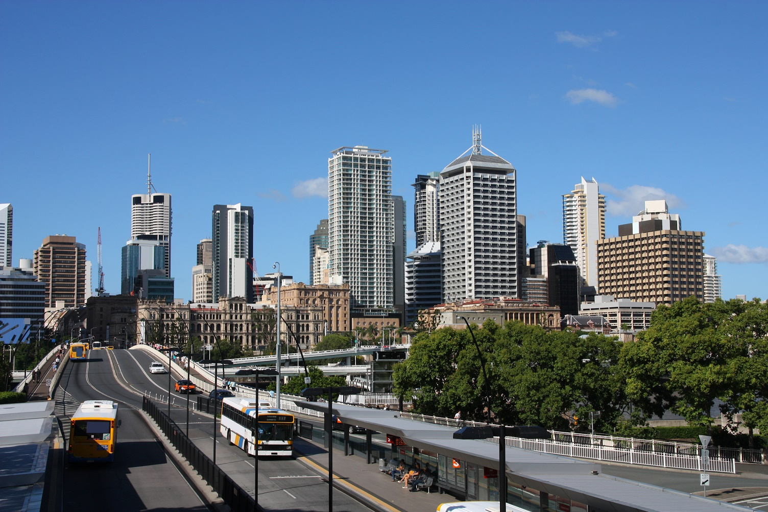 Established properties closer to the CBD have outperformed newer properties in the outer suburbs, both in capital growth and overall rental return.