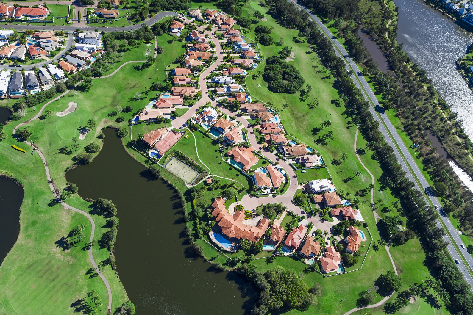 Traditional suburbs on the Gold Coast still possess a high degree of amenity, with an attractive mix of water and greenery spread throughout.