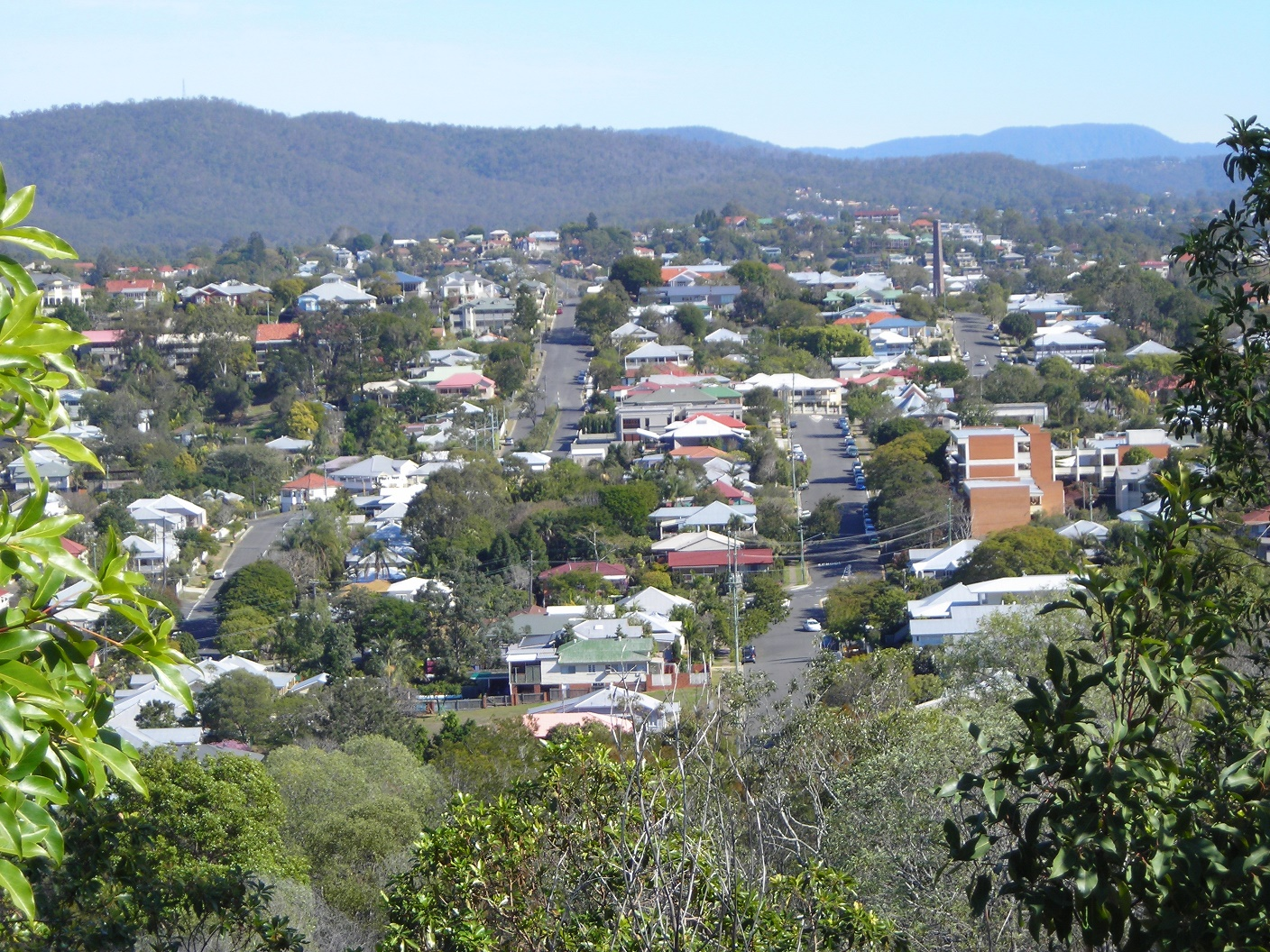 Suburbs with older housing will generally have lower rental yields than equivalent areas with newer housing. This is evident in a number of suburbs in Brisbane, including Stafford Heights, Salisbury and Keperra.