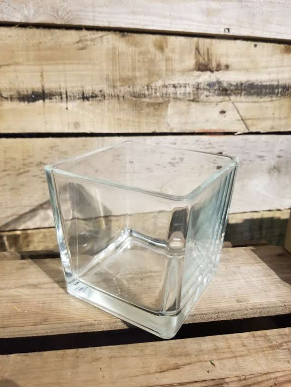 SQUARE GLASS VASE Rent $2.00 each