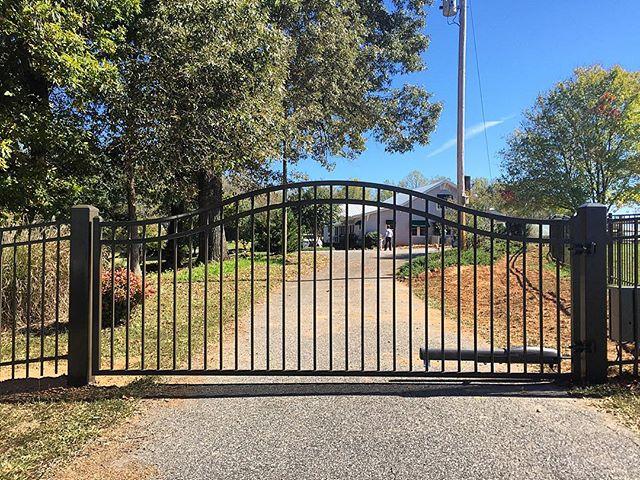 Bronze estate gate hiddenite with opener