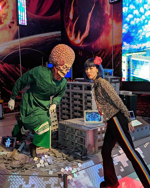 Behind the scenes of #Newworldbanzai #satelliteyoung 👽🚀🌟🛰️ 色褪せた虚構みたい…でもこの世はデッカイ宝島‼
