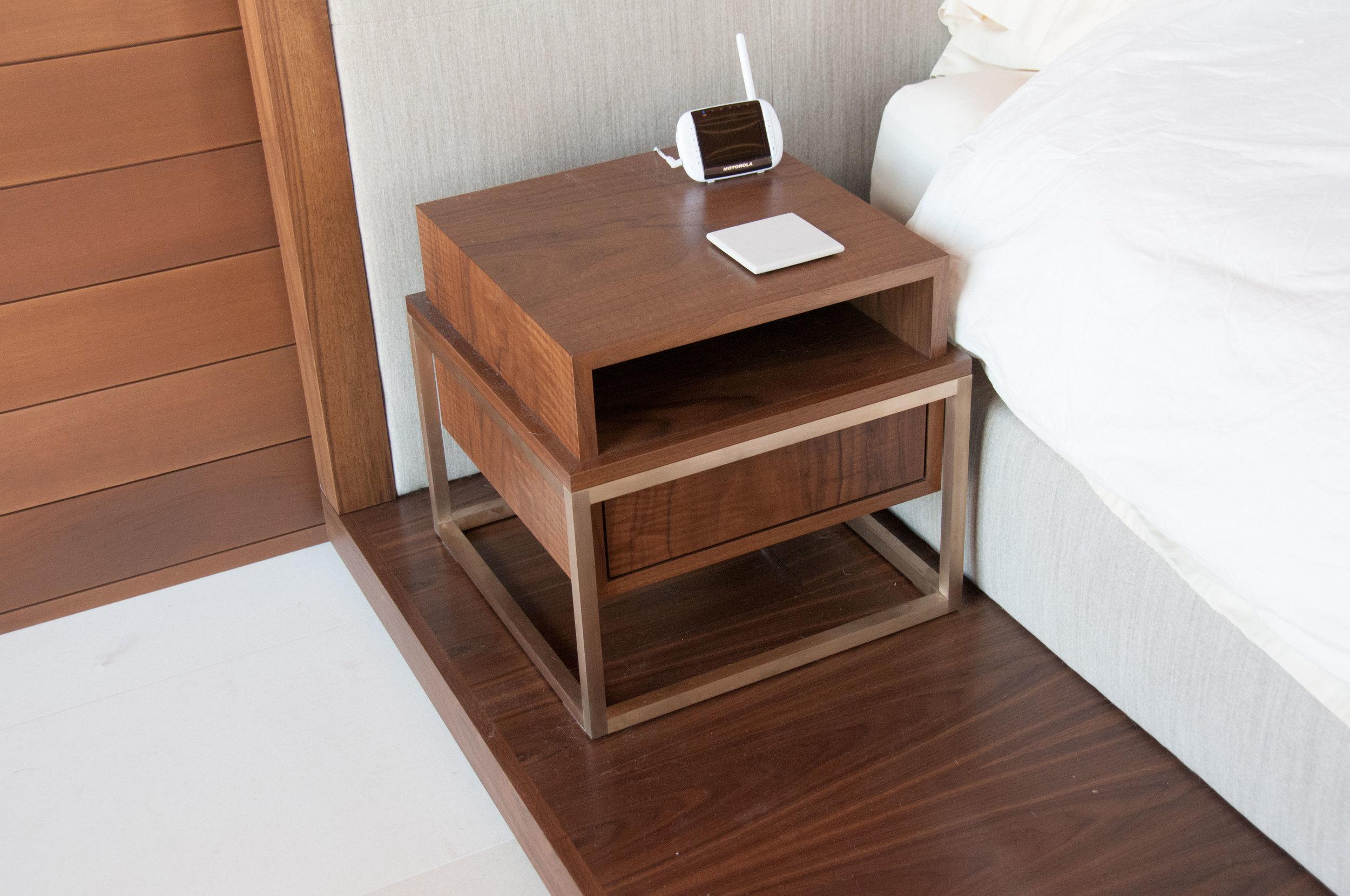nightstand_1.jpg