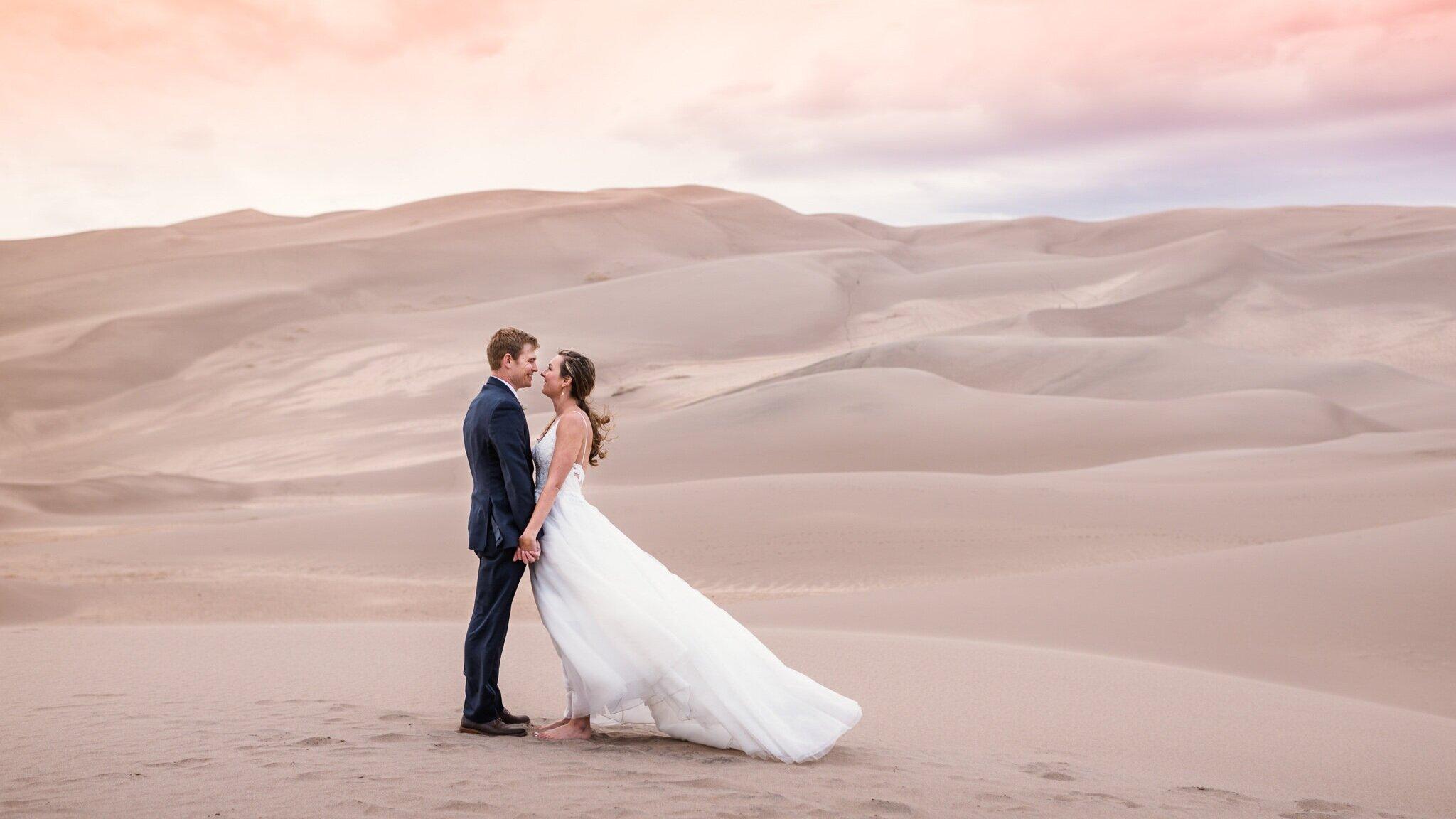 sand-dunes-elopement-photographer