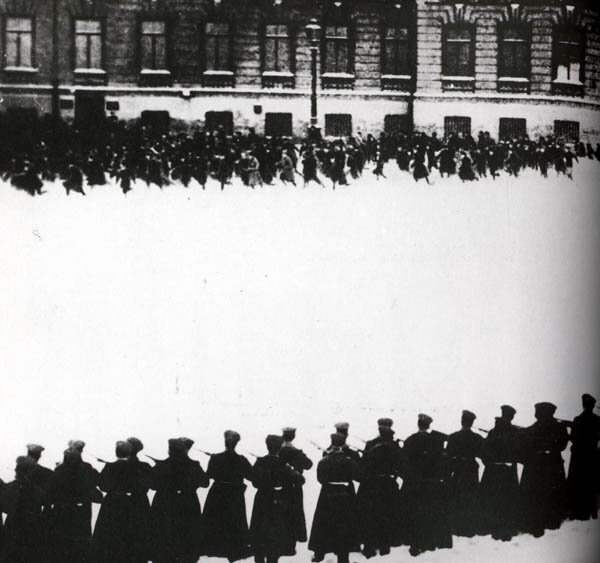"""""""Bloody Sunday"""" at the Winter Palace in Russia, 1905"""