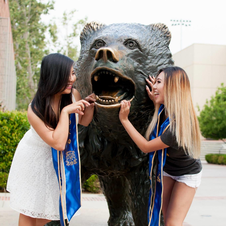Theta Graduation Photoshoot