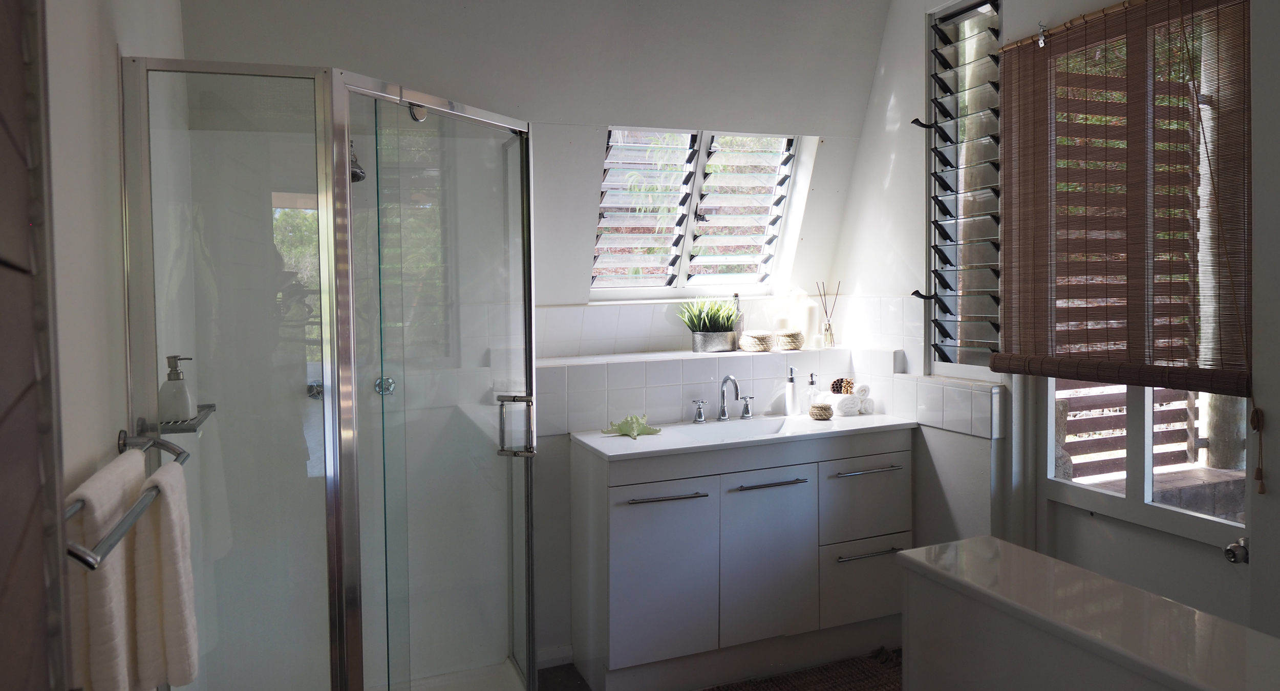 Panorama_Bathroom1.jpg