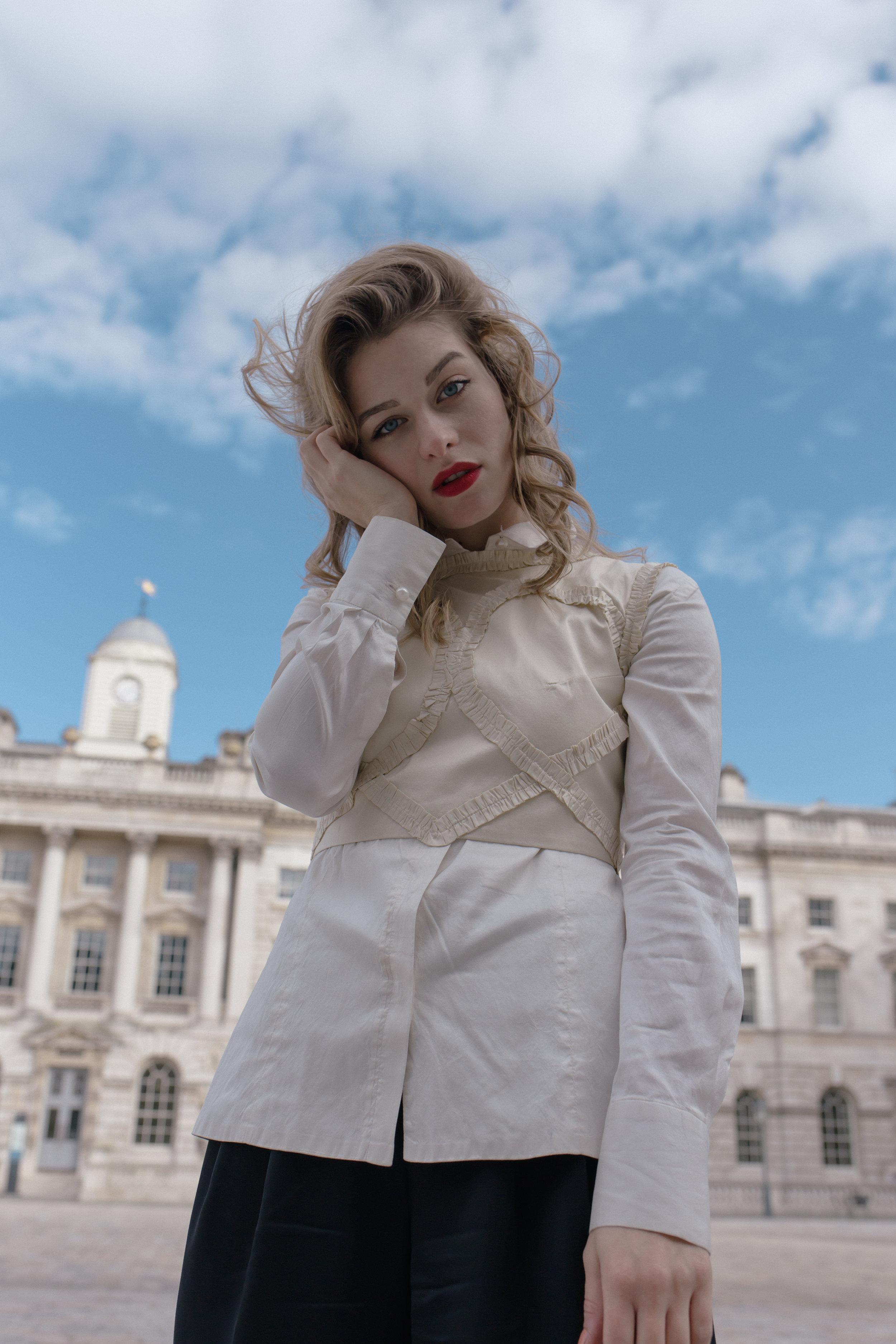 Vjosa  in  Doruntina's  Love Collection  London '17