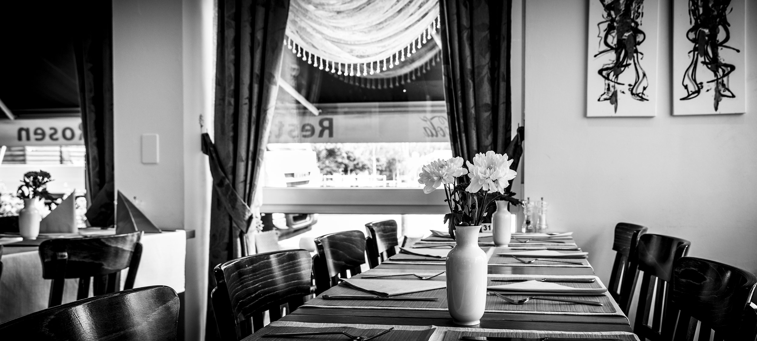 RestaurantB&W-7354_web.jpg