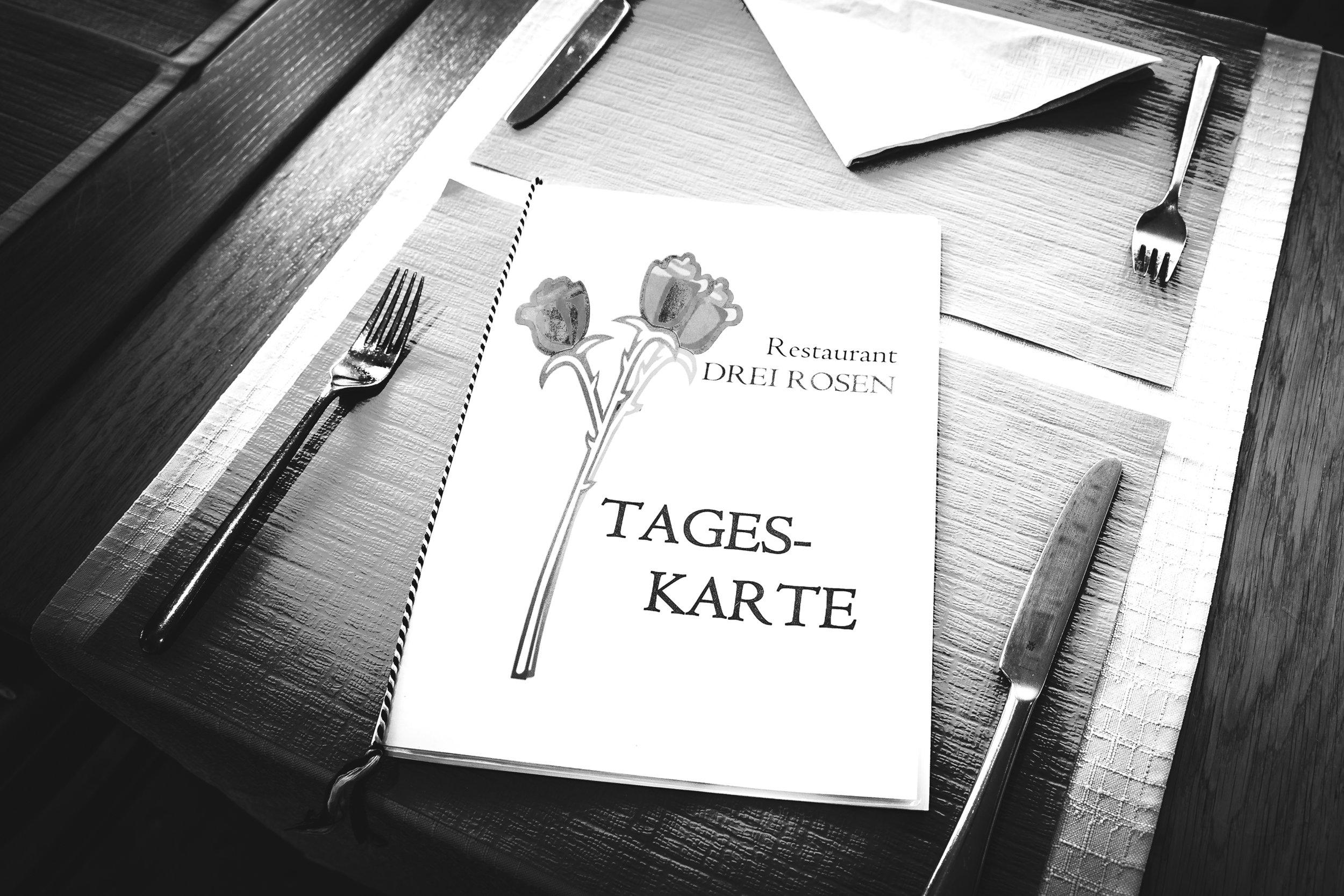 Restaurant-7360_web.jpg