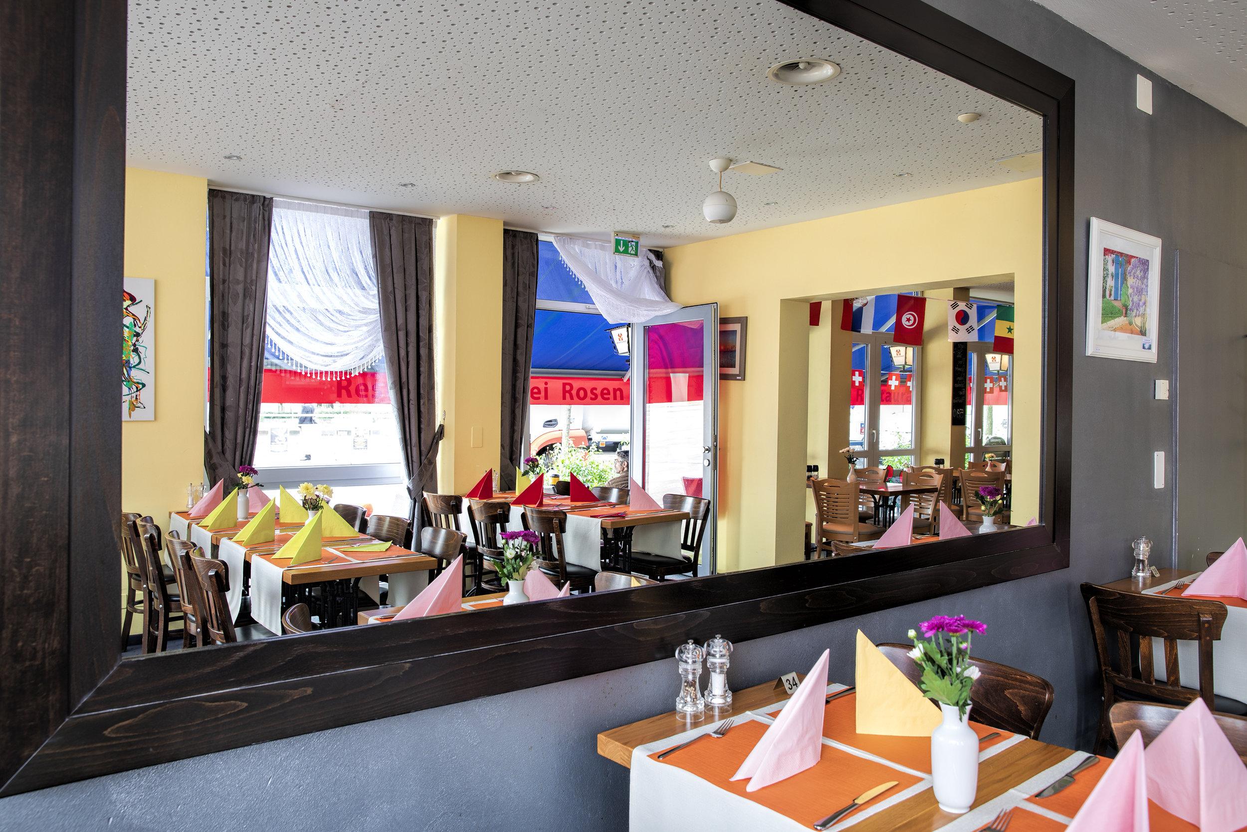 Restaurant-7332_web.jpg