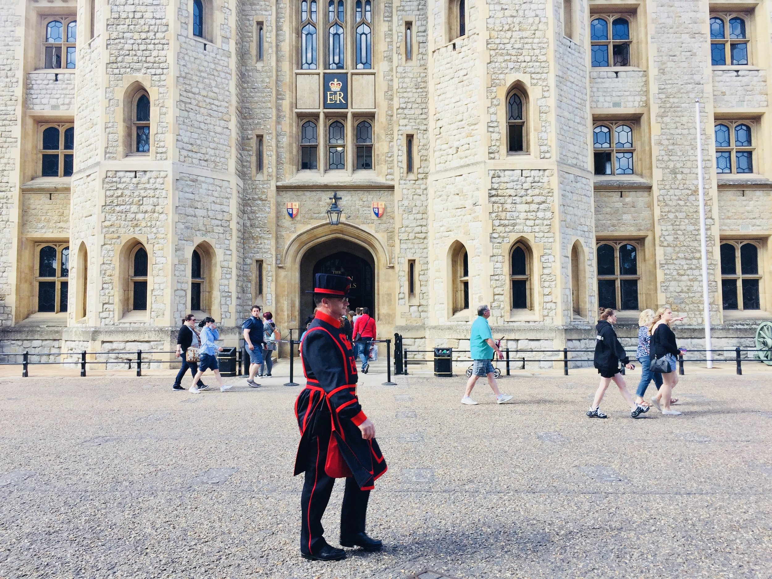 travel guide to london: tower of london