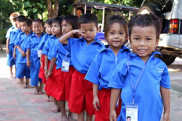 kuma_cambodia_happy_children_1.jpg