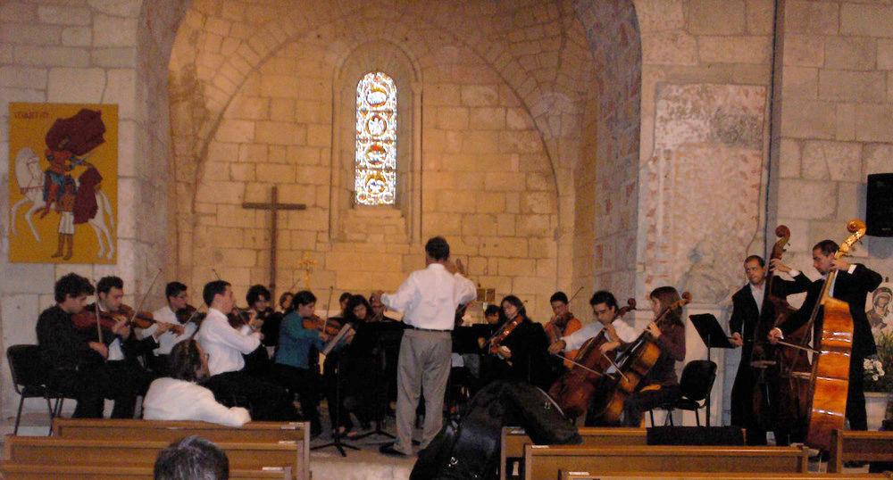 Orquestra de Cordas da Universidade de Évora – Périgueux (FRANÇA), 2005