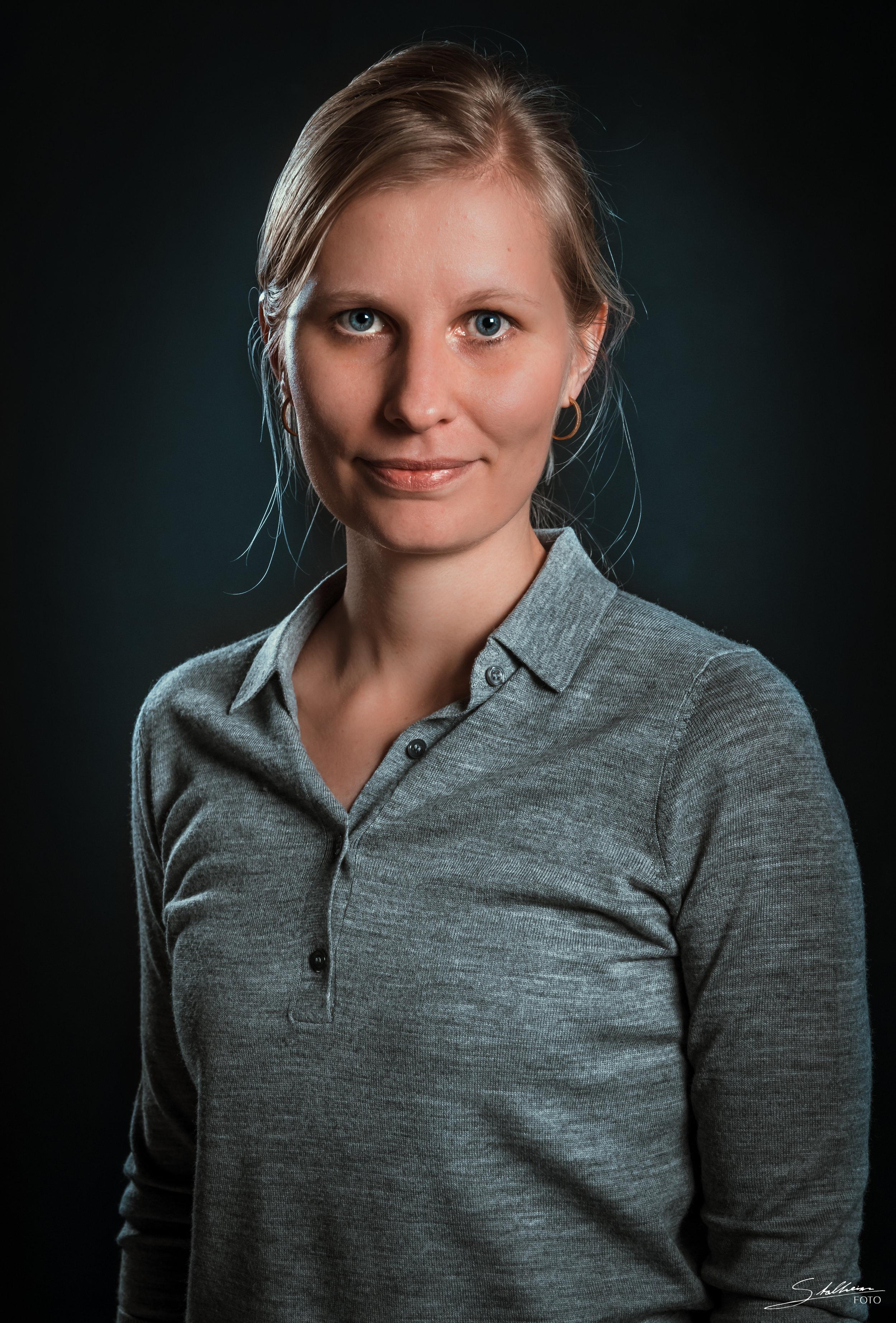 Kristine Berg, manusprodusent/partner (kristine at shuuto.no)