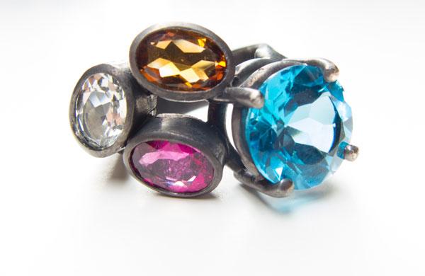 Dark + Bright, ring