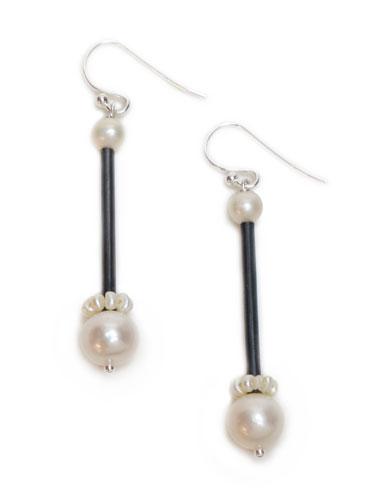 Pearl Station, black earrings