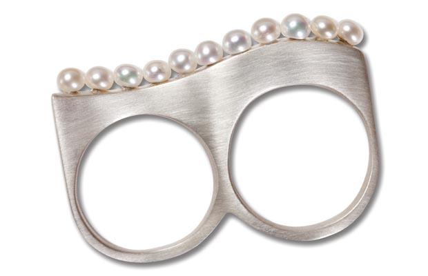 Wave, two finger ring