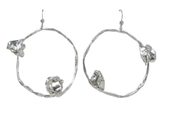 Fold, round silver hoop earrings