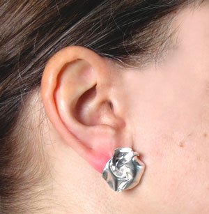 Fold, stud earrings