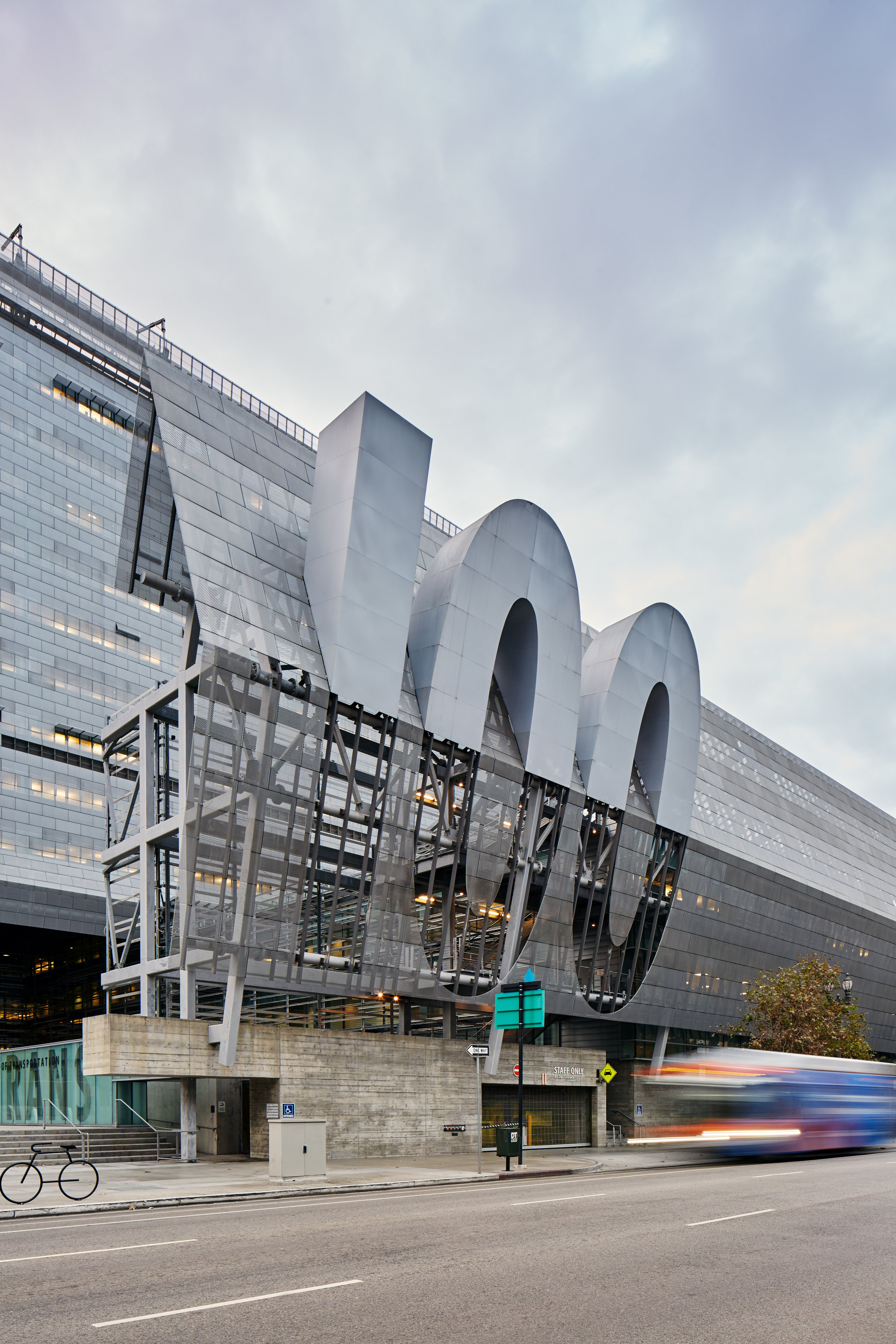 CALTRANS DISTRICT 7 HEADQUARTERS - MORPHOSIS