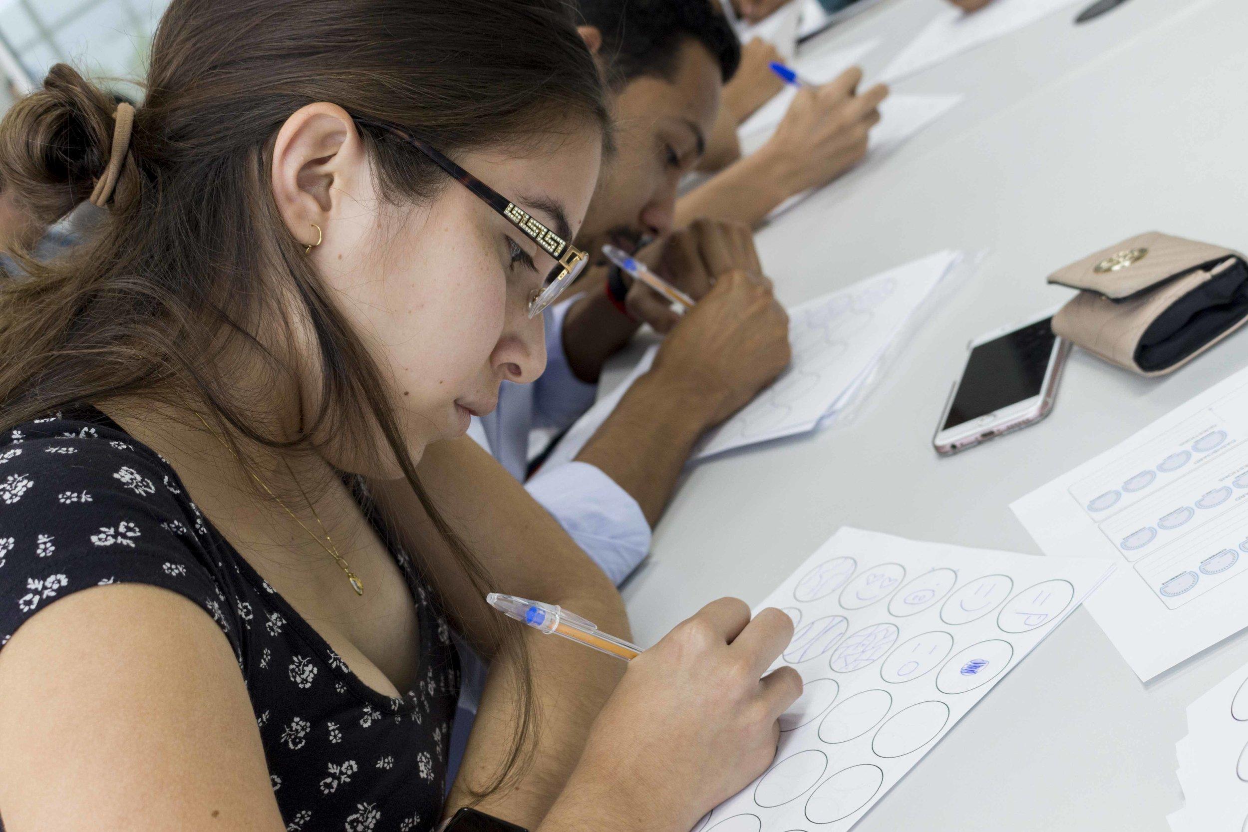Conexión Academia-Sector Productivo - Este enlace les permitirá aplicar y desarrollar competencias usando tecnologías y conocimientos académicos que aporten a la productividad y competitividad de los retos empresariales de diferentes sectores.