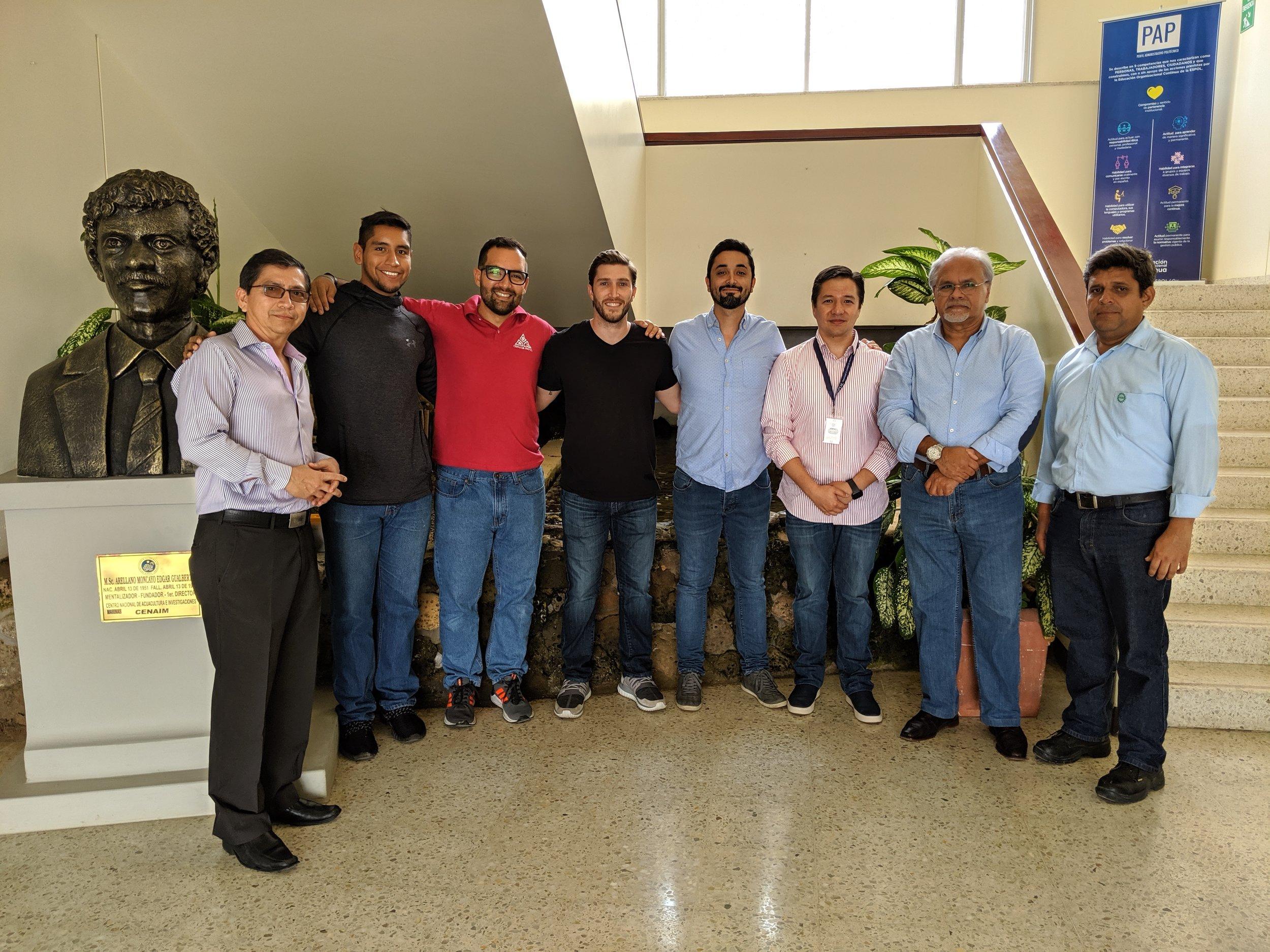 Empresarios representantes de Consorcio NOBIS junto a profesionales de CENAIM-ESPOL e I3LAB-ESPOL.