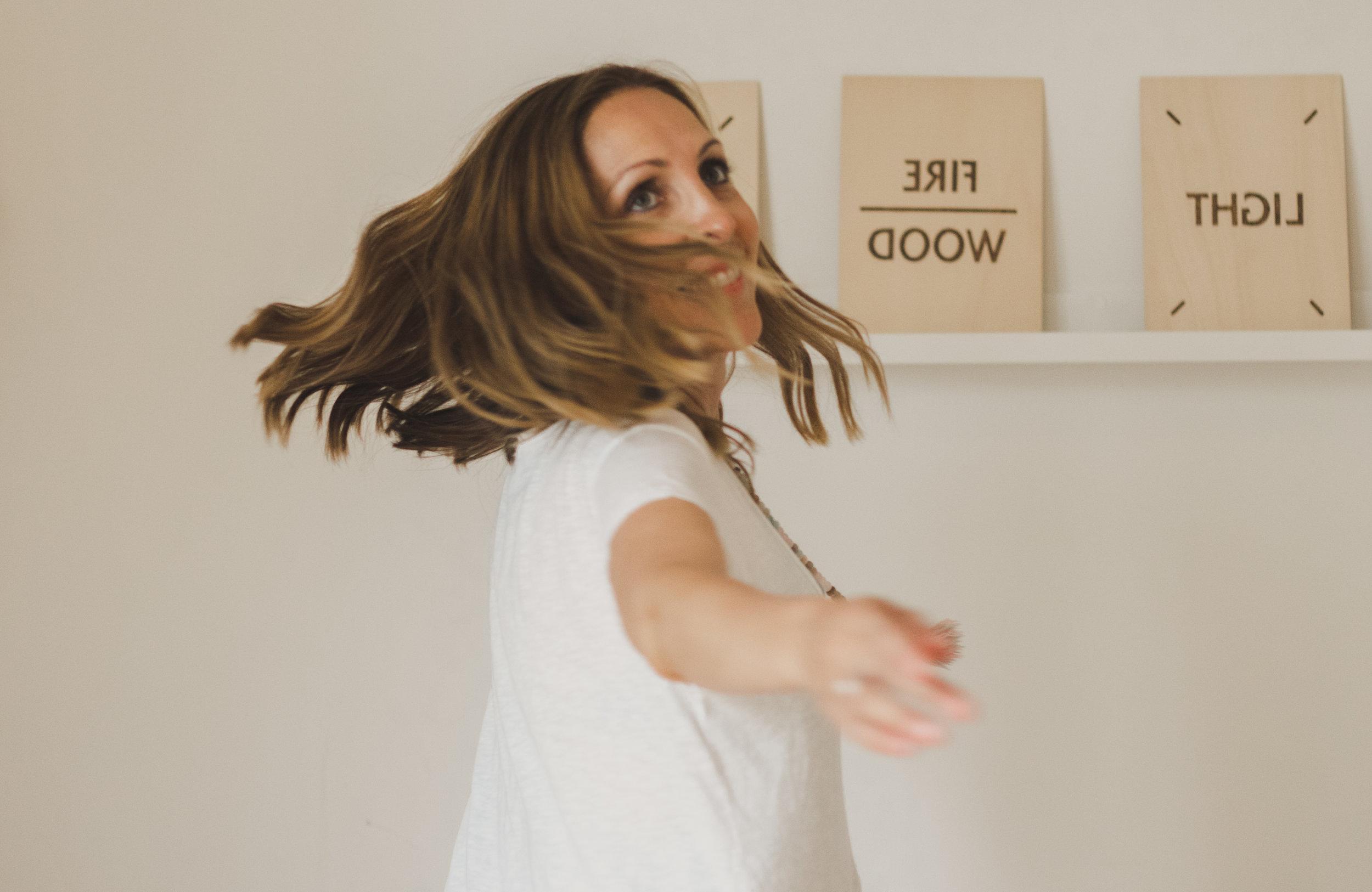 Monia Piraki - Zürich Switzerland - Personal Branding Photoshoot - Aly Aesch Photography