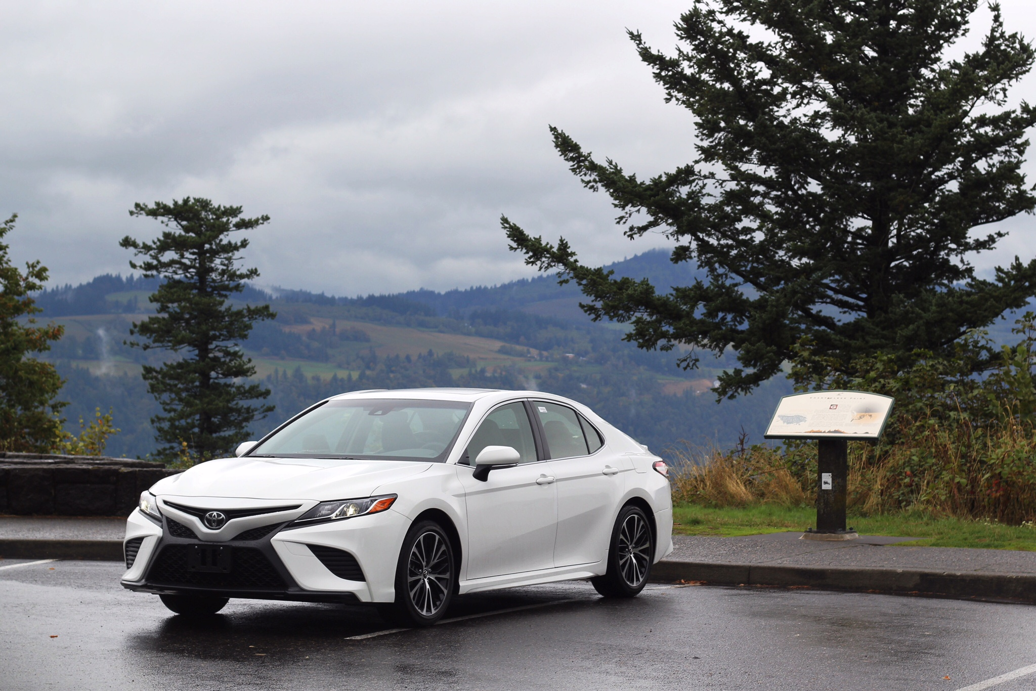 Toyota 2018 Camry at Women's Forum State Scenic View, Copyright Nicole Burron