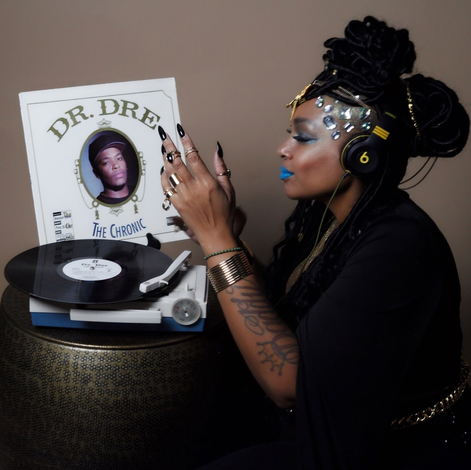 Steffan - Artform Artist Steffan wakes up with a new vision everyday. She feels blessed that her artistry is God sent, and her inspirations are just able to flow.This classic record is always on rotation thanks to the Steffan...