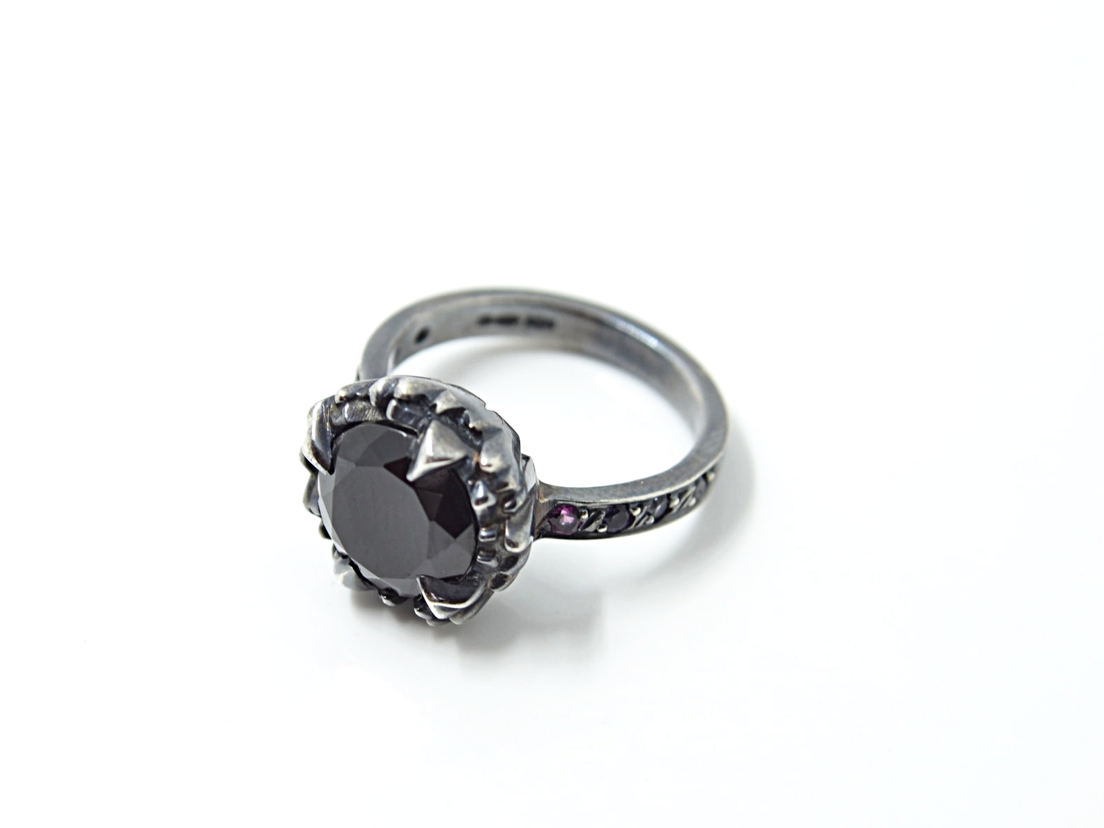Black Spinel Uncover Ring with Ruby, Amethyst, Sapphire and Spinel Details