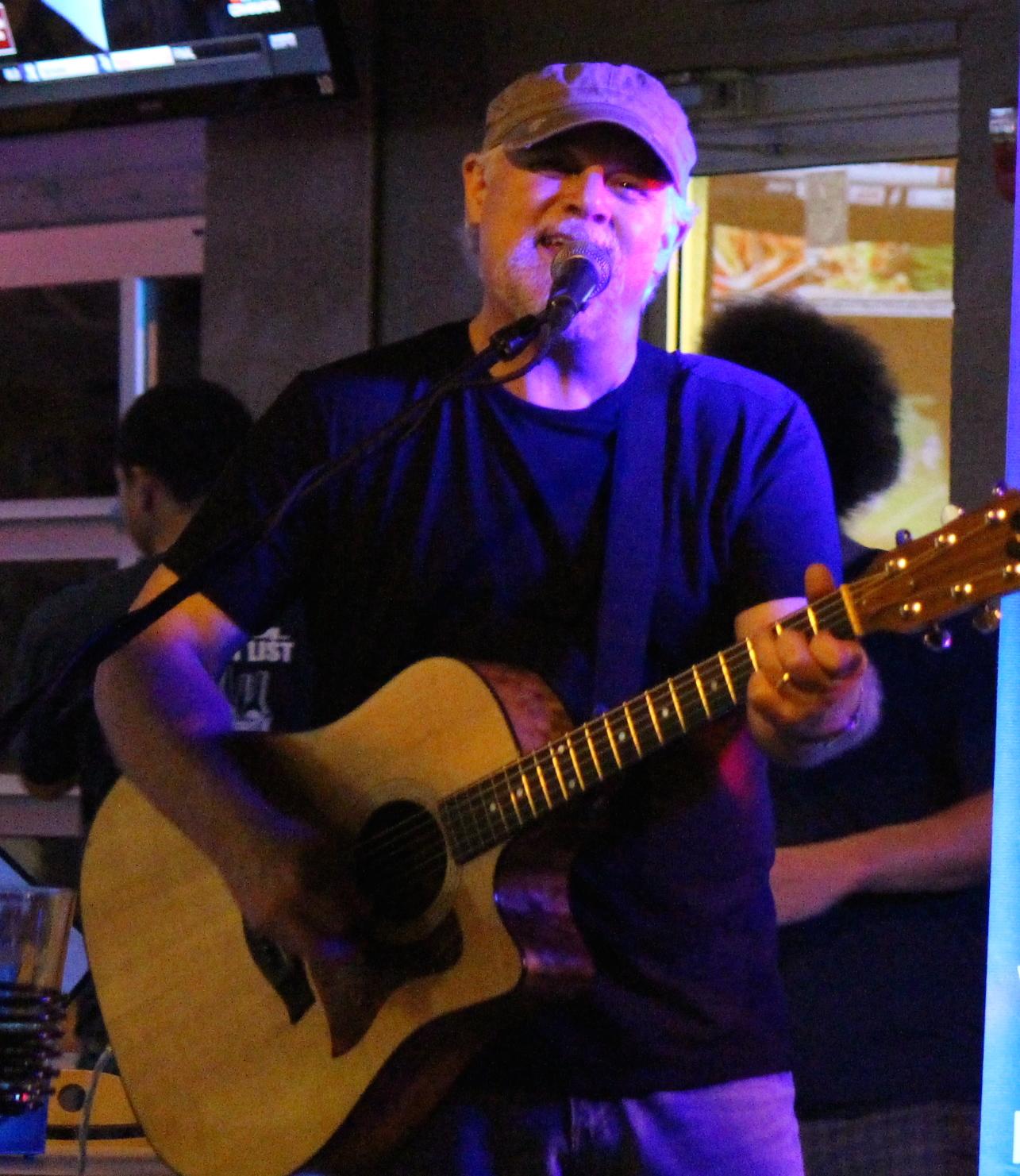 EH @ JBs singing.JPG
