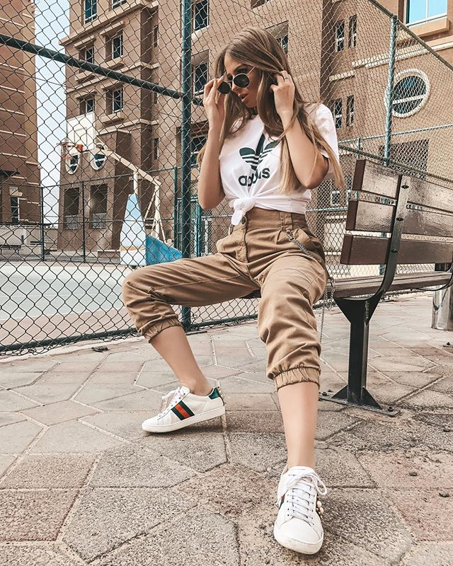 Living in wide leg pants ✌️ .... #outfitinspo #fashionnova #styleinspo #fashionista #fashionistas #fashionkilla #streetwear #streetstyle #streetfashion #fashionaddict #fashionadvice #fashions #outfits #outfitideas #outfitinspiration #dailylook #dailyoutfit
