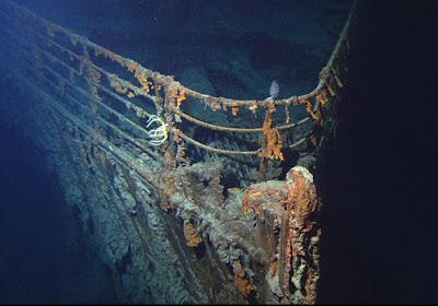 titanic_bow_2004b.jpg