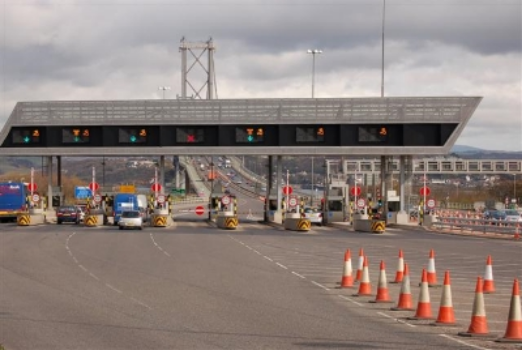 The Toll Plaza of the Forth Road Bridge in 2007 - its last full year of operation.  Image Credit : © Copyright  Paul McIlroy  and licensed for reuse under this  Creative Commons Licence