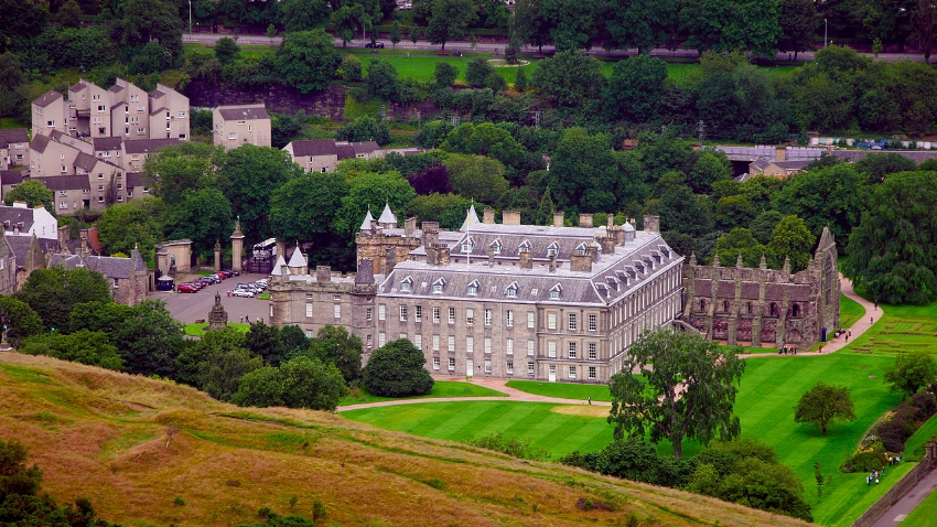 Holyrood Palace and grounds viewed from Arthur's Seat. Image Credit:  GNU1742  via  Wikimedia Commons   CC