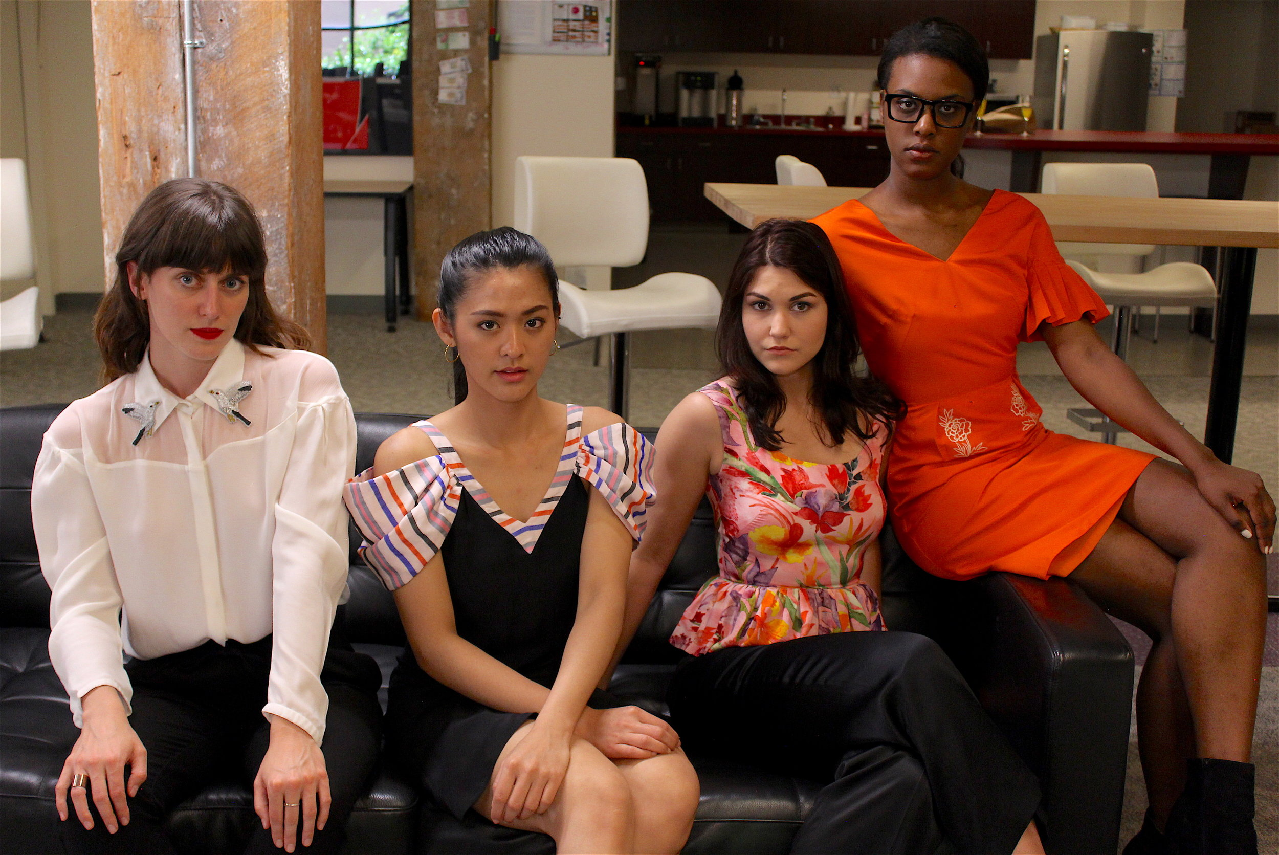 IMG_1464.girls.office.int.JPG