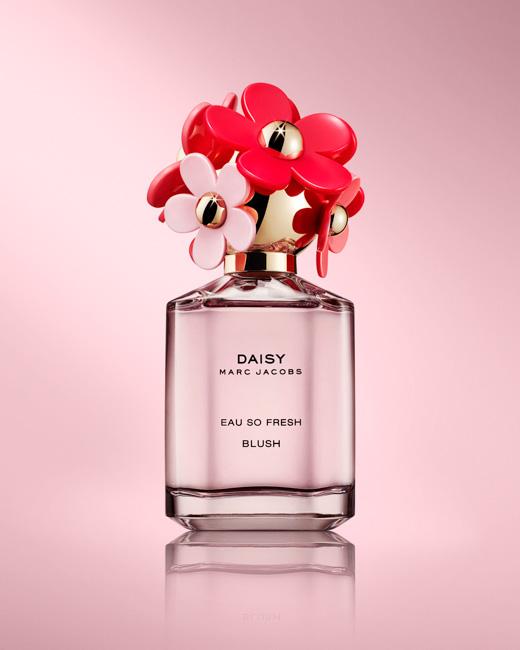 jarren vink marc jacobs daisy perfume bottle
