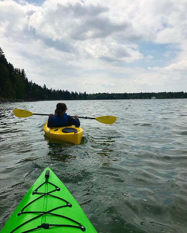 There's no better way to spend your Sunday up here in Clear Lake then being on the water! Come on down and check out our amazing selection of rental kayaks, paddle boards, pedal boats & much much more!!!🚣‍♀️🌞 #clearlakecountry #clearlake #ridingmountainnationalpark